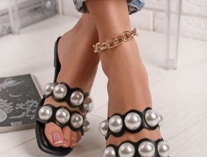 DOUBLE PEARL BLACK SLIPPERS