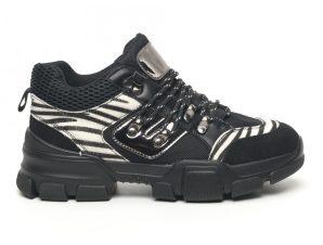 Γυναικεία αθλητικά παπουτσια τύπου Hiker σε μαύρο και ζέβρα