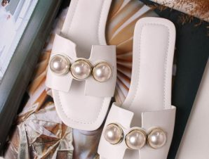 PEARL WHITE SLIPPERS