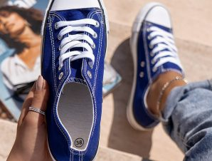 SUPER ELECTRIC BLUE SNEAKERS